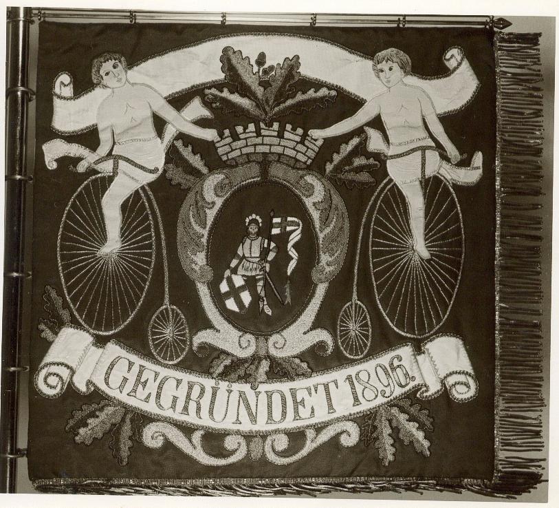 Im Jahr 1896 entstand das erste Vereinsabzeichen